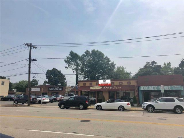 Commercial Property in Bellmore